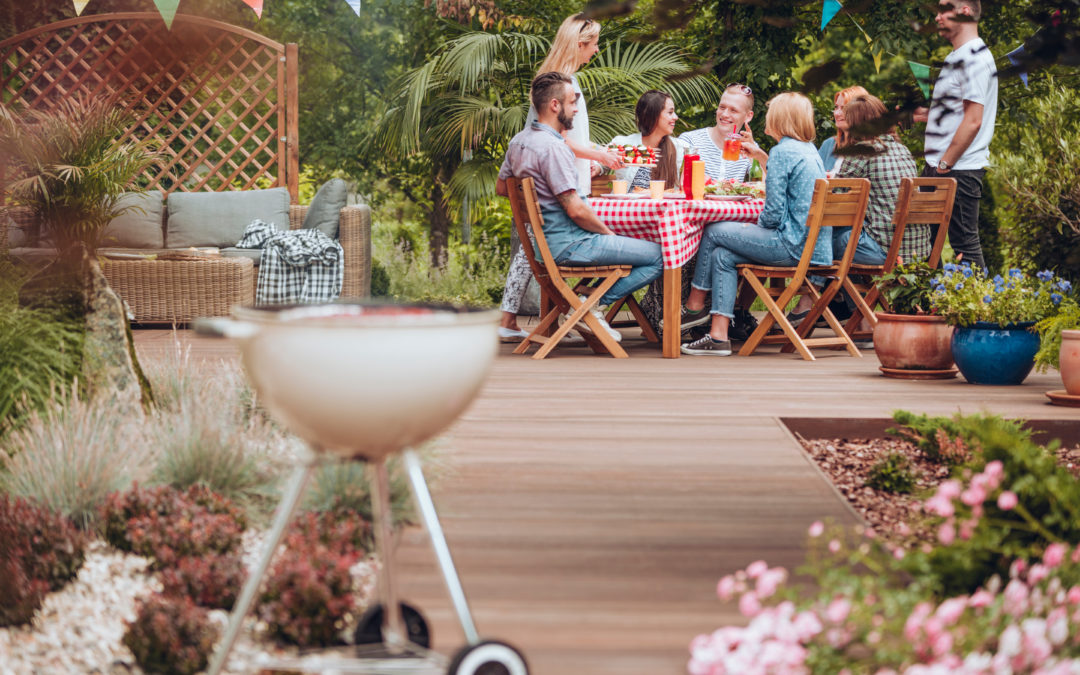 4 Easy Ways to Spruce up Your Backyard